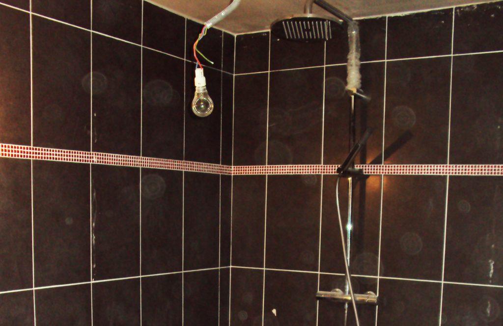malfaçons sur la construction d'une douche, contre expertise par ACTE